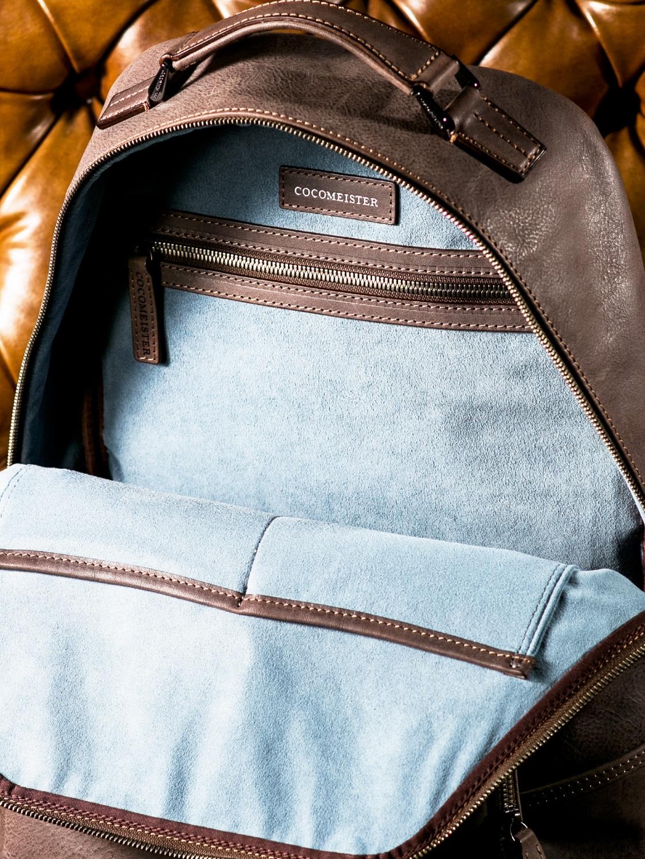 カルドミラージュ アルピニズモの内装フリーポケット