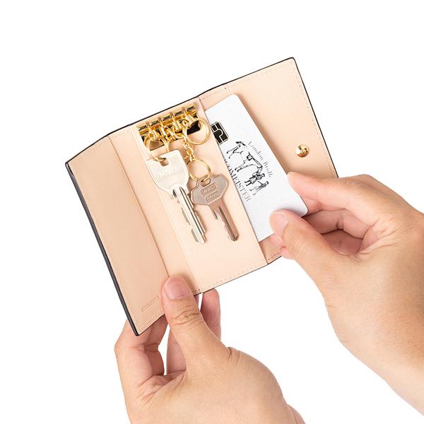 マットーネ・オリヴェートキーケースのカードポケット