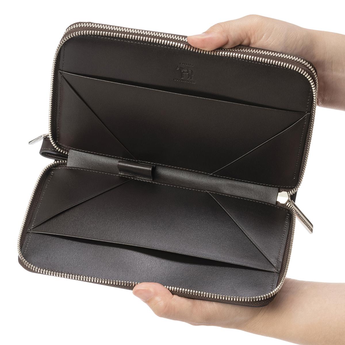 カヴァレオ・マンバの鞄側